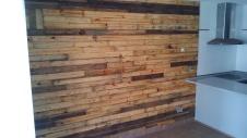 pared con madera de palet