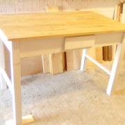 mesa de cocina de madera recuperada