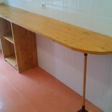 barra de cocina con madera reciclada