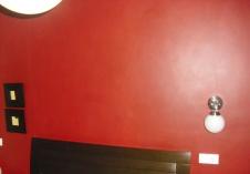 pared pintada en rojo