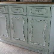 mueble desgastado